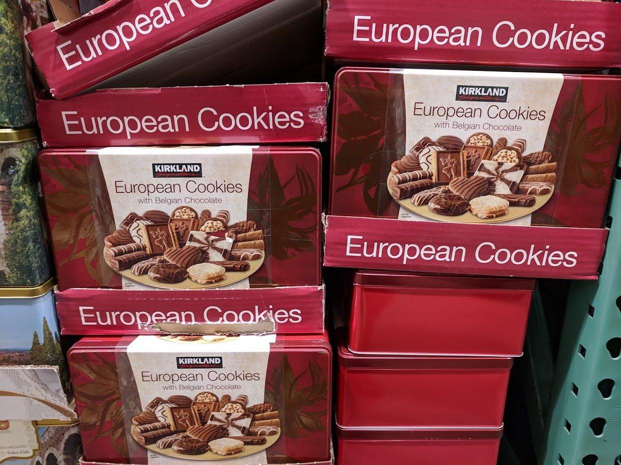KirklandSignatureEuropeanCookieswithBelgianChocolate-181679