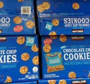 KirklandSignatureMiniChocolateChipCookies-5014935